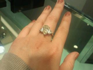 ビックリな指輪